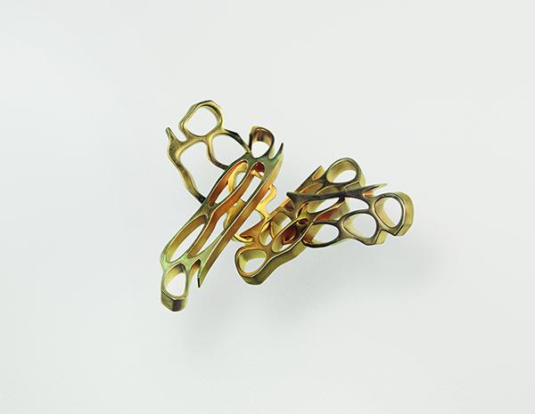 Robert Lazzarini, Brass Knuckles Photo: Hans-Georg Gaul, Courtesy Studio Robert Lazzarini