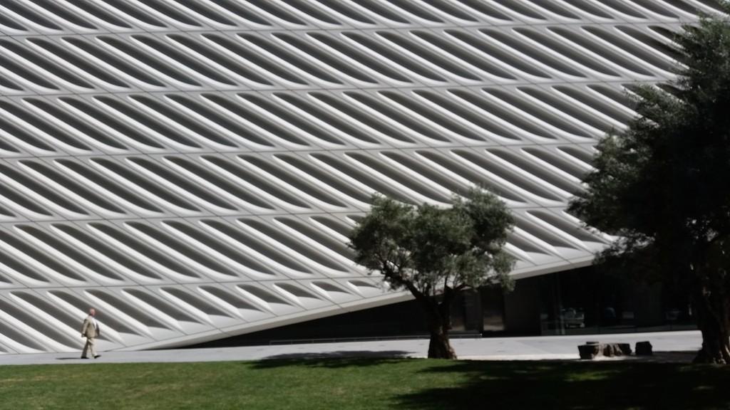Fassade des Broad Museum, L. A., Foto: Magdalena Kröner